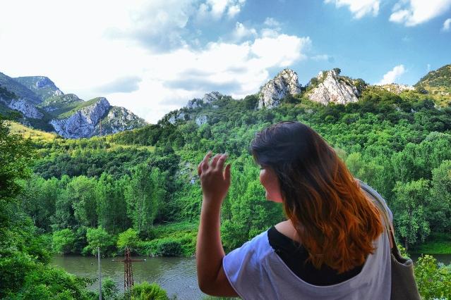 The cliffs of Cherepish.